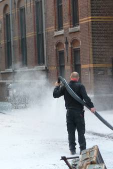 Video | Schietpartijen, sneeuw, Barry Atsma en SS'ers in Bossche Waterstraat
