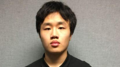 Politie VS vindt wapenarsenaal bij tiener die pistool mee naar school nam