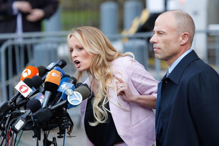 Stormy Daniels vorige maand met haar advocaat Michael Avennati.