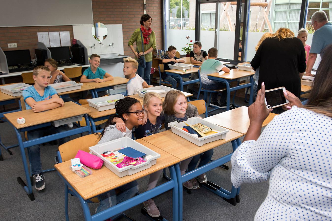 De eerste schooldag van Het Kompas in Kesteren.