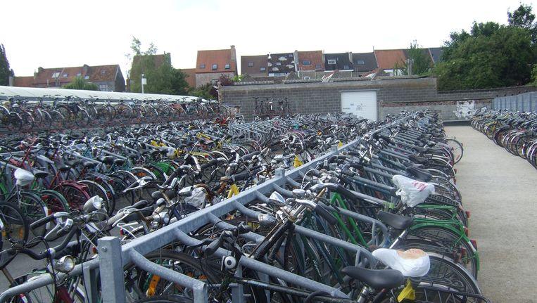 Fietsen aan het station Gent-Sint-Pieters