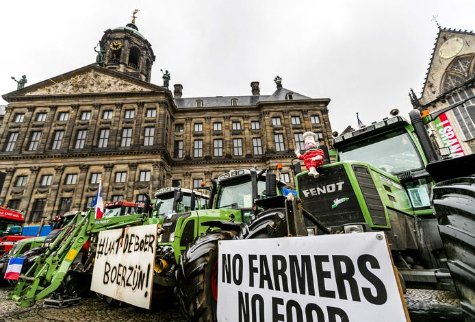 De boeren voeren opnieuw actie, nu in de Amsterdamse binnenstad.