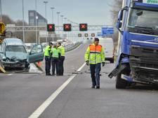 Veel vertraging op A58 na ernstig ongeluk met vrachtwagen bij Tilburg