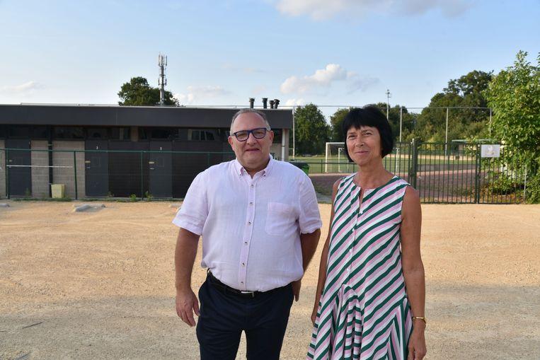 Op het voetbalcomplex in de Eversestraat zullen modulaire units geplaatst worden. Dat maakten burgemeester Ingrid Holemans en sportschepen Piet Ockerman bekend.