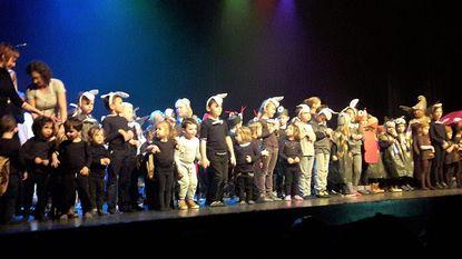 Leerlingen De Knipoog brengen musical 'Zonnelente-feest'