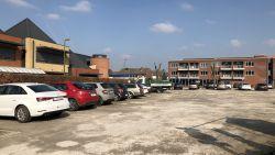 Parking gemeenteschool Piramide wordt na bouw 32 serviceflats heraangelegd