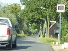 Auto's rijden veel te hard op Lekdijk en in Polsbroek