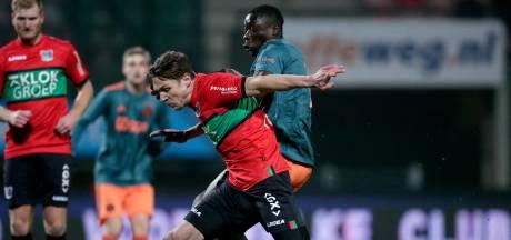 LIVE | Flemming schiet NEC vanaf de strafschopstip naast Jong Ajax: 1-1