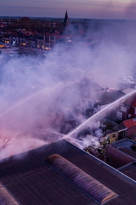 Asbest vrijgekomen, opvanglocatie voor bewoners ontruimde woningen Genemuiden