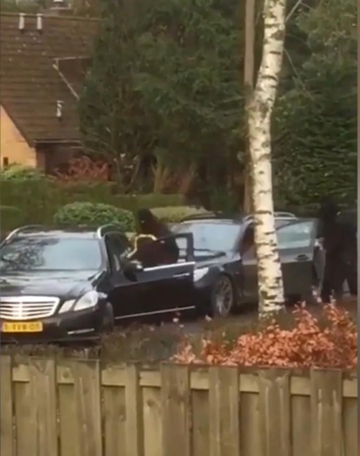Een buurtbewoner filmde de ontvoering.