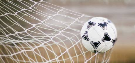 Accountants waarschuwen KNVB: helft profclubs staat op omvallen