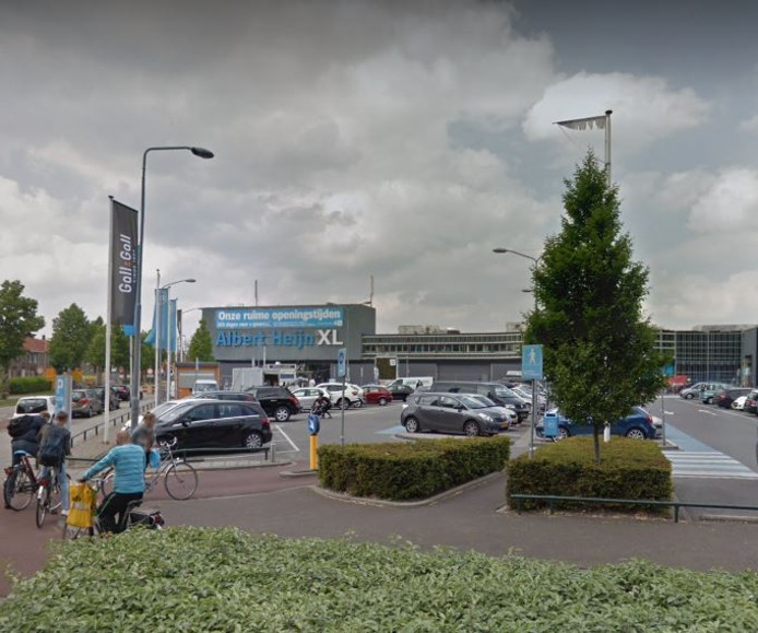 Het incident gebeurde op de parkeerplaats aan de Jan Heijnsstraat.