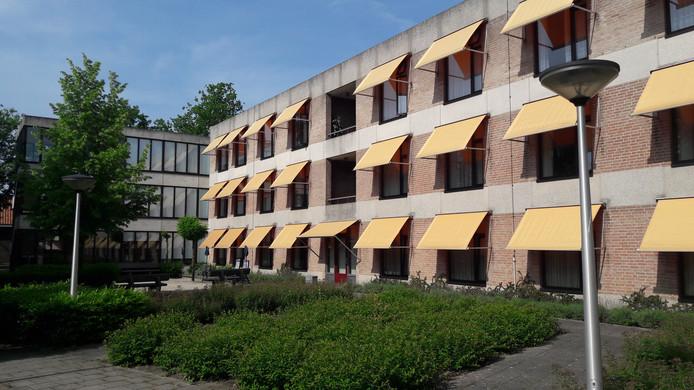 De achterste vleugel van het Mgr. Bekkershuis in Schijndel wordt vervangen door nieuwbouw. Dit is alleen vertraagd door de aanwezigheid van vleermuizen.