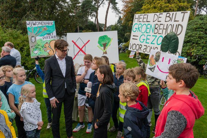 Jonge Bilthovenaren voerden vorige maand actie tegen de bouwplannen. De demonstratie voor zondag is van de baan.