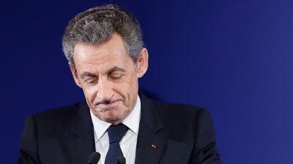 Franse oud-president Sarkozy aangehouden: hij zou in 2007 geld hebben aangenomen van Kadhafi