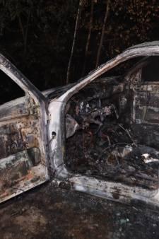 Auto uitgebrand in Best