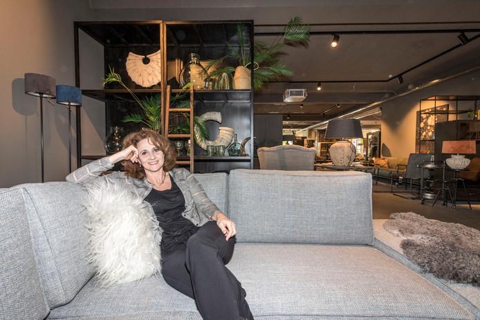 Sabine Melis in haar grotere winkel in Bergeijk.