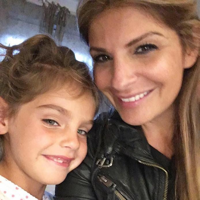 Ellie Holman en haar dochter Bibi.