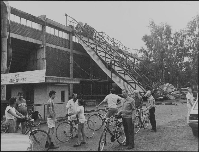 Op 4 augustus 1986 werd de oosttribune van het Daknamstadion getroffen door een storm.