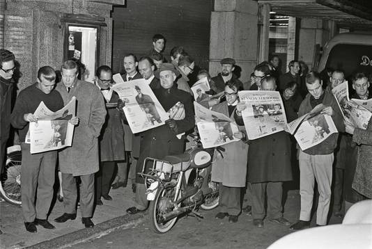 De moord op de Amerikaanse president Kennedy hield ook in Amsterdam de gemoederen bezig.