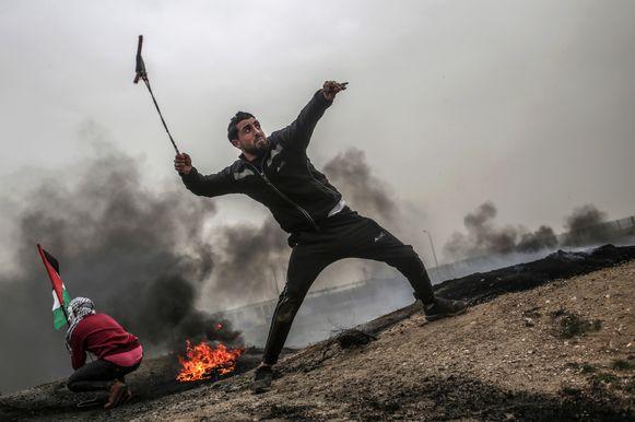 De raketten volgden op een dag van hevige protesten nabij de grens tussen Israël en de Gazastrook.