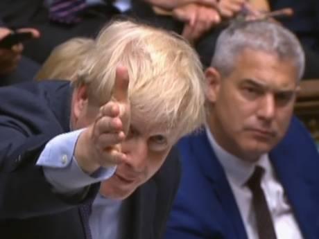 Johnson dreigt met nieuwe verkiezingen