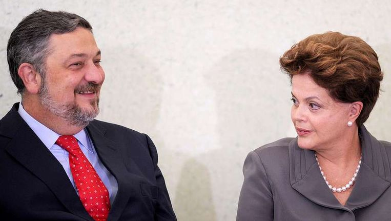 De Braziliaanse president Dilma Rousseff samen met Antonio Palocci. Beeld null