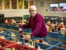 Harry uit Oldenzaal helpt als vrijwilliger bij de Voedselbank: 'Mensen denken: eigen schuld'