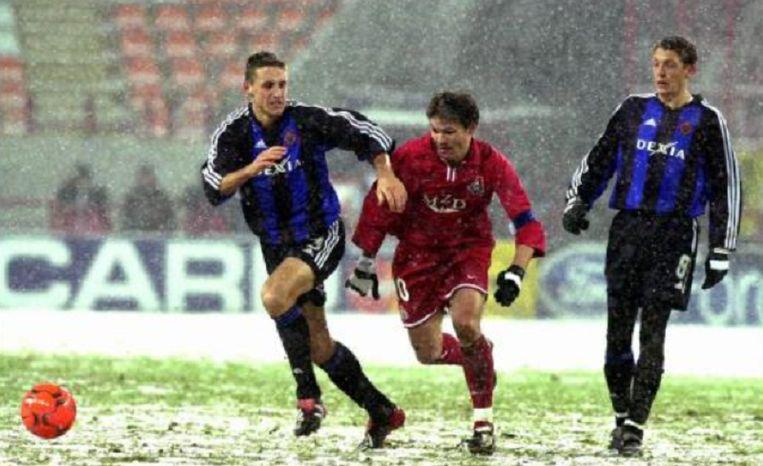 Simons (links) en Englebert (rechts) in actie tegen Lokomotiv Moskou.