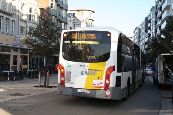 De bus in de Zeelaan, De Panne.