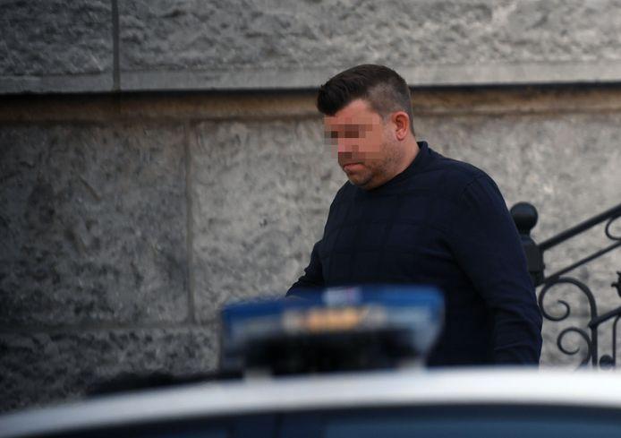 Tim V.D.N. daagde wel op in de rechtbank. Zijn ex-partner stuurde haar kat naar het proces.