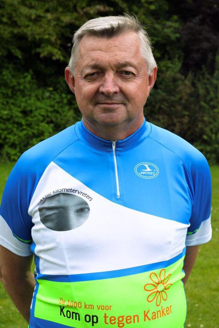 Eric Van Hyfte in zijn outfit van Eeklose Kilometervreters.