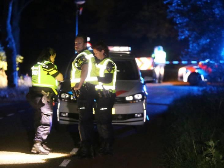 Fietsend echtpaar zwaargewond door ongeluk in Heeswijk-Dinther, twee personen aangehouden