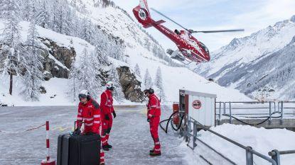 Duizenden toeristen die in Zermatt vastzitten dan toch met helikopter geëvacueerd