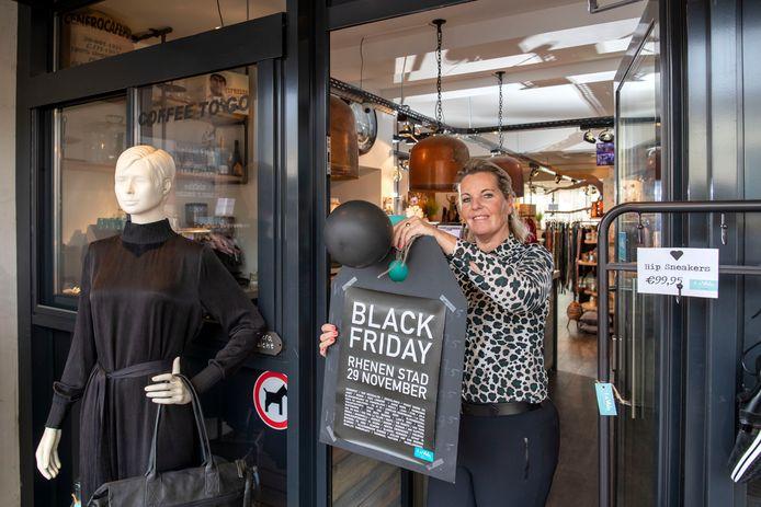 Bernadette La Vida doet als kleine kledingwinkel wel mee aan Black Friday uitverkoop.