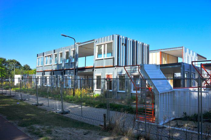 Het terrein waar tot vorig jaar de Orangerie, het voormalige azc stond, aan de Castiliëlaan in Eindhoven kan mogelijk ingezet worden om studenten te huisvesten.