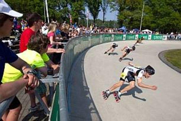 Inlineskaters uit Rotterdam en omgeving moeten voor wedstrijden nu nog het land doorreizen, bijvoorbeeld naar Skeeler- en Skatecentrum Hoornscheveen in het Gelderse Heerde.