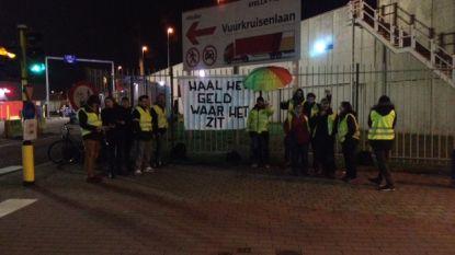 Opnieuw gele hesjes aan ingang AB InBev Leuven