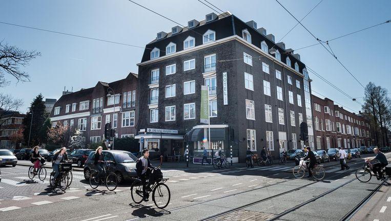 Het is de wens van de gemeente om de De Lairessestraat veiliger te maken Beeld Mats van Soolingen