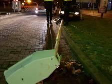 Beschonken man rijdt lantaarnpaal omver in Hengelo