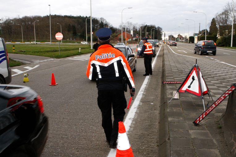 Op de Barenbergsweg haalde politie de bestuurder uit het verkeer.