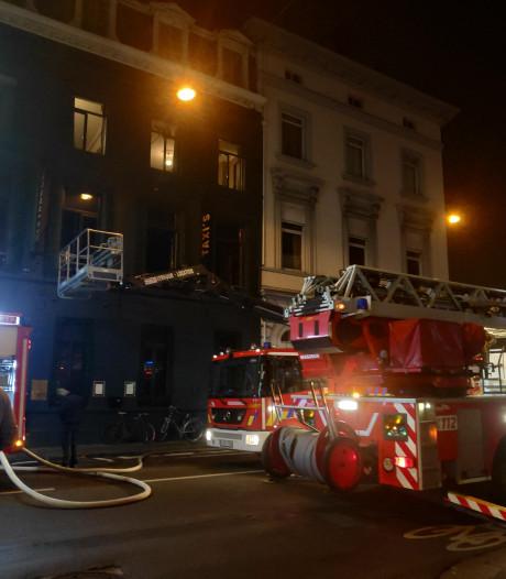 Afzuigsysteem restaurant Taxi's vat vuur: zaal ontruimd