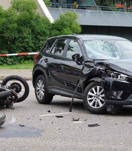 Motorrijder gewond na botsing in Leusden