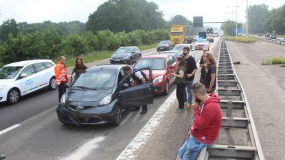 Ene ongeval na het andere op E314: elf auto's delen in de brokken