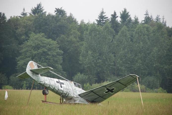 Papieren Nazi Vliegtuig Uit Voorzorg Weggesleept Achterhoek