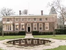 Extra parkeerplaatsen voor museum No Hero in Delden