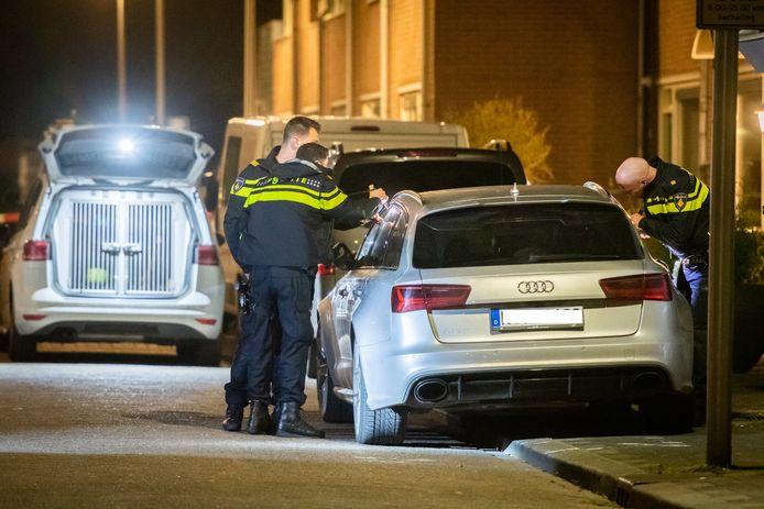 De Audi in de Utrechtse Orionstraat die vermoedelijk gebruikt is door plofkrakers in Duitsland.