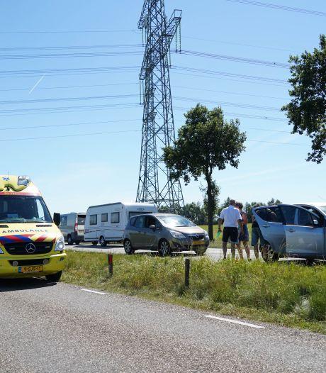 Kind lichtgewond bij kettingbotsing op N340 bij Dalfsen