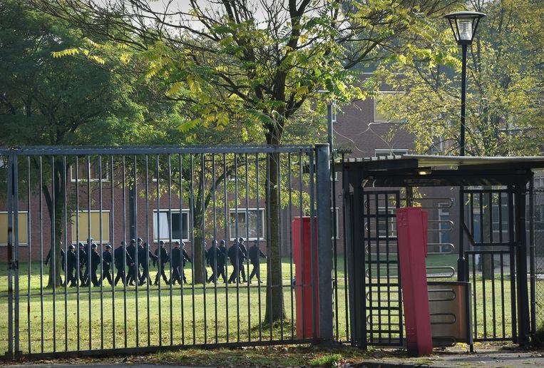 De Oranjekazerne in Schaarsbergen waar de misstanden plaatsvonden. Beeld Marcel van den Bergh / de Volkskrant
