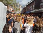VIDEO: Lanterfantje XXL op de Korte Heuvel: stampvolle straat met housende mensen